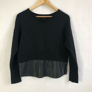 Like new: Crewneck Sweater w/Faux Leather Trim